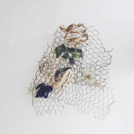 Sans titre. Grillage, coton, acrylique - 2016